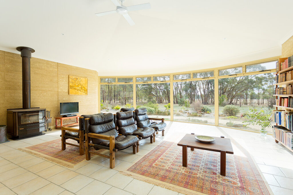 internal-rammed-earth-panoramic-windows