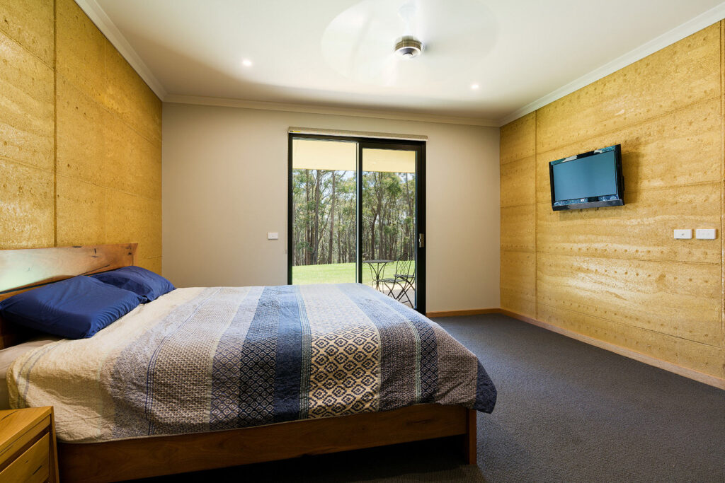 internal-rammed-earth-bedroom