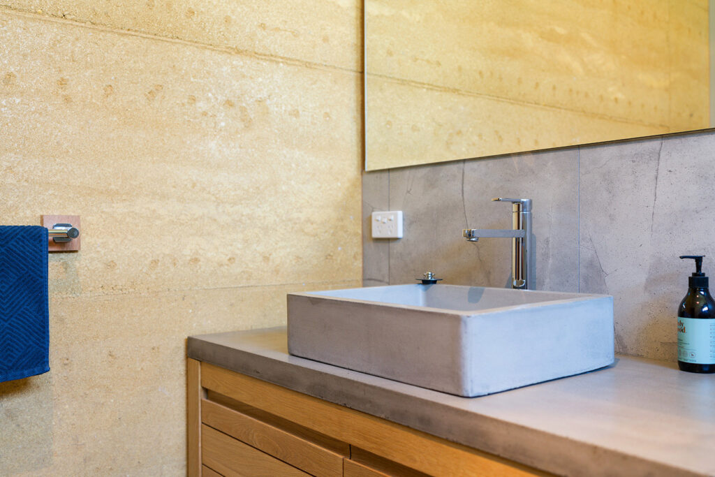 internal-rammed-earth-concrete-vanity-top