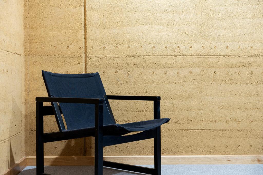 rammed-earth-texture-internal-walls